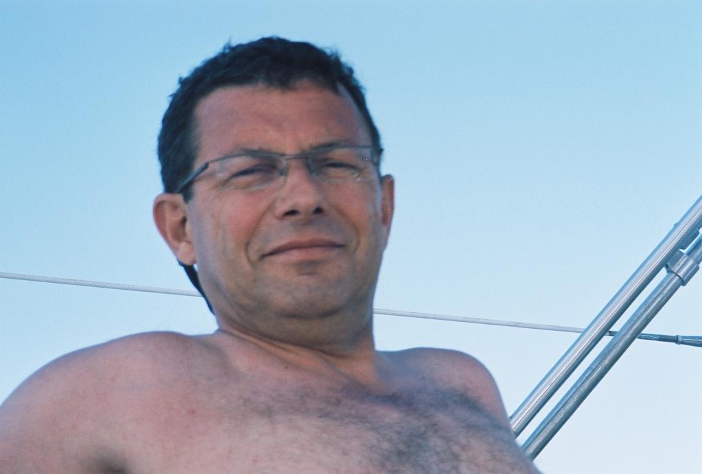 2005 (144)